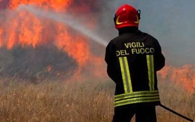 Incendio campagna - Vigili del fuoco