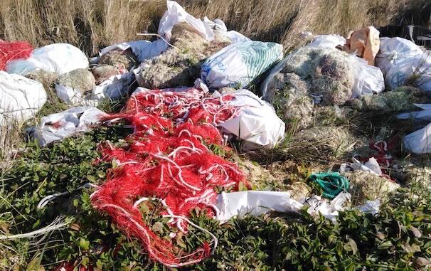 Nurachi Cabras discarica reti pesca