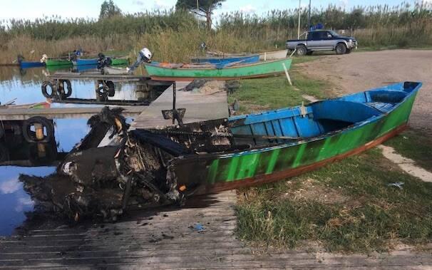 Santa Giusta barca incendia pescatore marco pili