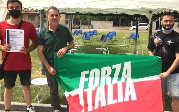 Emanuele Cera Forza Italia Arcidano manifestazione fisco tasse
