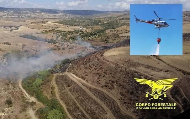 Incendio Baressa elicottero forestale
