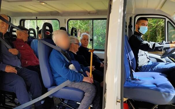 Samugheo - casa di riposo - prima gita anziani