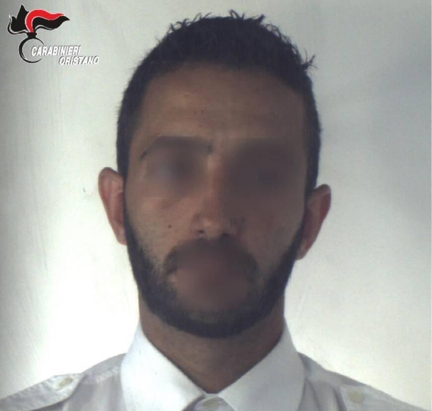 Oristano - operazione dei carabinieri - vola in basso - droga - arrestato