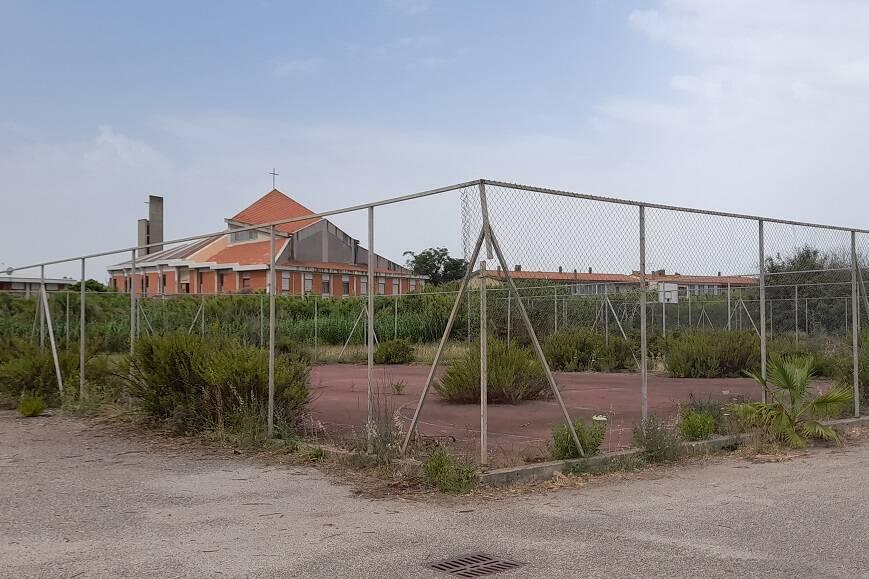Zona sportiva di Torangius in abbandono