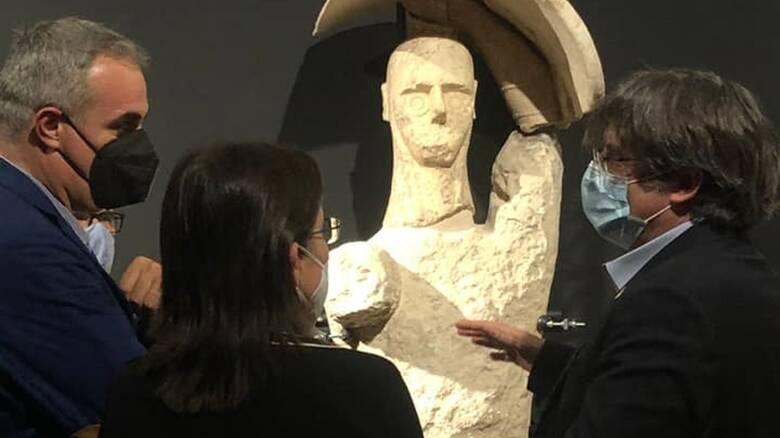 Monte Prama - Museo Cabras - Puigdemont e gigante