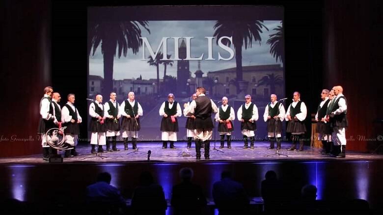 Il coro La Vega di Milis sul palco del concorso nuorese - Foto G. Manca ©